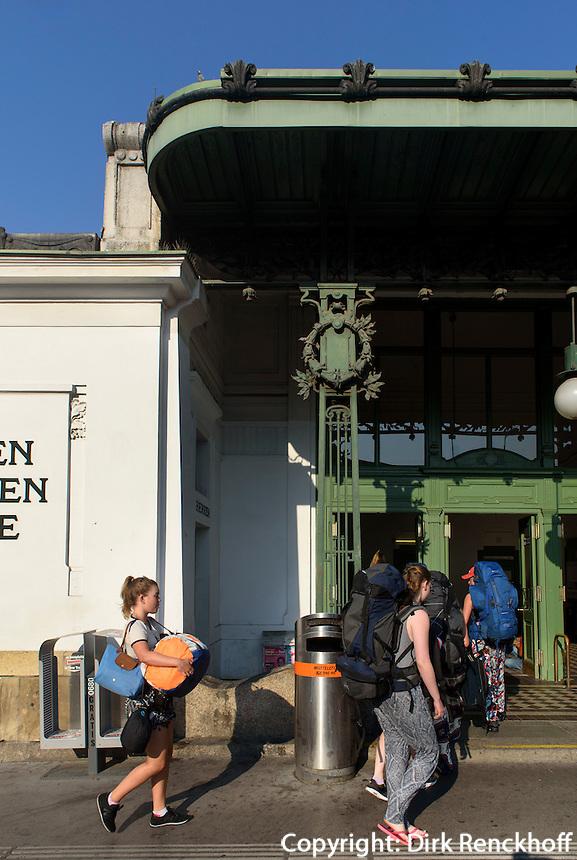 Jugendstil U-Bahn Station Kettenbr&uuml;ckengasse, Wien, &Ouml;sterreich, UNESCO-Weltkulturerbe<br /> Art Nouveaox subway-stationKettenbr&uuml;ckengasse, Vienna, Austria, world heritage