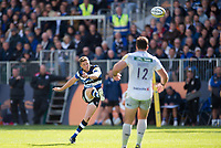 Rhys Priestland of Bath Rugby slots a drop goal. Aviva Premiership match, between Bath Rugby and Saracens on September 9, 2017 at the Recreation Ground in Bath, England. Photo by: Patrick Khachfe / Onside Images