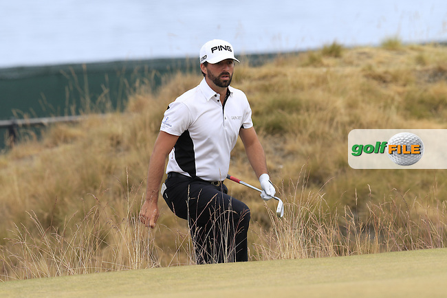 John PARRY (ENG) in the sand at the 17th green during Thursday's Round 1 of the 2015 U.S. Open 115th National Championship held at Chambers Bay, Seattle, Washington, USA. 6/18/2015.<br /> Picture: Golffile | Eoin Clarke<br /> <br /> <br /> <br /> <br /> All photo usage must carry mandatory copyright credit (&copy; Golffile | Eoin Clarke)