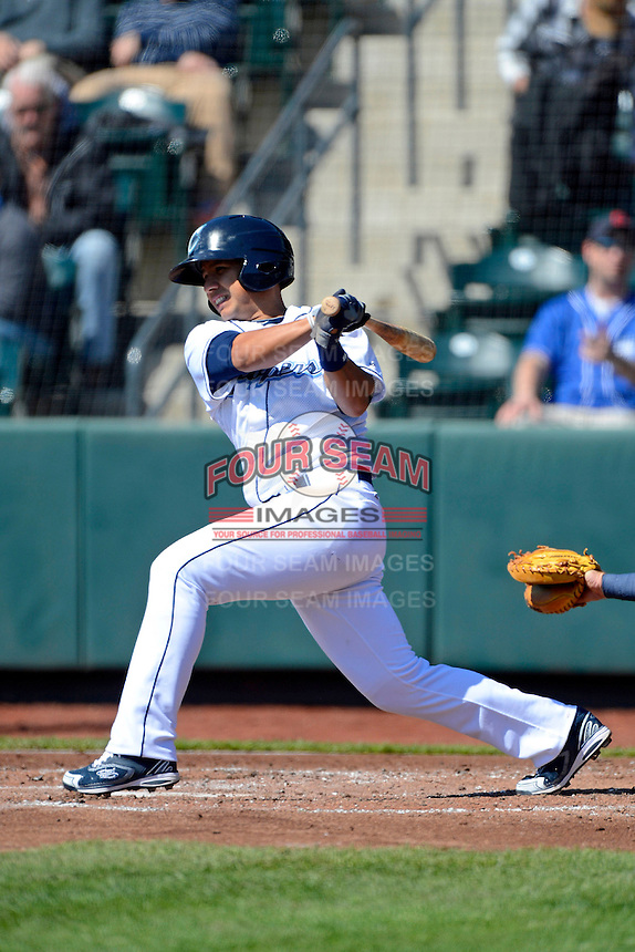 Columbus Clippers second baseman Luis Hernandez #7 during a game against the Toledo Mudhens on April 22, 2013 at Huntington Park in Columbus, Ohio.  Columbus defeated Toledo 3-0.  (Mike Janes/Four Seam Images)