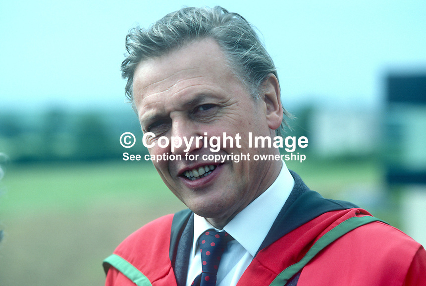 David Attenborough, UK, broadcaster, journalist, author, naturalist, programme maker, who has received an honorary degree from the New University of Ulster at the 1982 summer graduations. 19820700092DA2..Copyright Image from Victor Patterson, 54 Dorchester Park, Belfast, UK, BT9 6RJ.  Tel: +44 28 90661296  Mobile: +44 7802 353836.Email: victorpatterson@me.com Email: victorpatterson@gmail.com..For my Terms and Conditions of Use go to http://www.victorpatterson.com/ and click on Terms & Conditions
