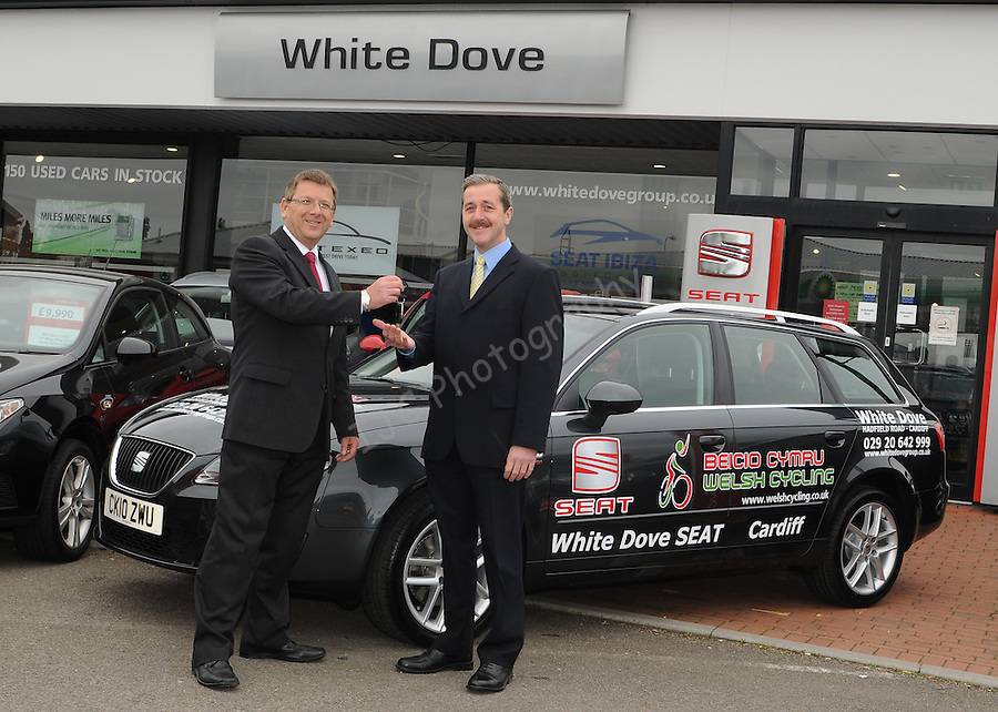 Ian Jeffery from Cardiff Seat hands over the keys to the Director of Welsh cycling Talbot Thrush. ..Seat sponsorship car handover to the Welsh Cycling Union for the upcoming Commonwealth Games. .Date: Fri 14/05/2010,  .© Ian Cook IJC Photography, 07599826381, iancook@ijcphotography.co.uk,  www.ijcphotography.co.uk, www.ijcsports.co.uk.
