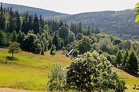 Berglandschaft bei Swieradow Zdroj, Woiwodschaft Niederschlesien (Wojew&oacute;dztwo dolnośląskie), Polen, Europa<br /> Mountains near Swieradow Zdroj, Poland, Europe