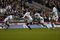 Twickenham. GREAT BRITAIN, Paul SACKEY, gets through the gap at pace going on tho score a try  during the, 2006 Investec Challenge, game between, England  and Argentina, on Sat., 11/11/2006, played at the Twickenham Stadium, England. Photo, Peter Spurrier/Intersport-images].....