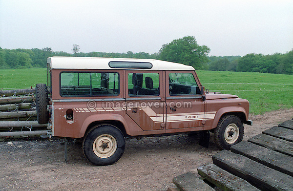 Very original and unrestored brown1985 Land Rover 110 Defender 9-seater station wagon. No releases available. Automotive trademarks are the property of the trademark holder, authorization may be needed for some uses.