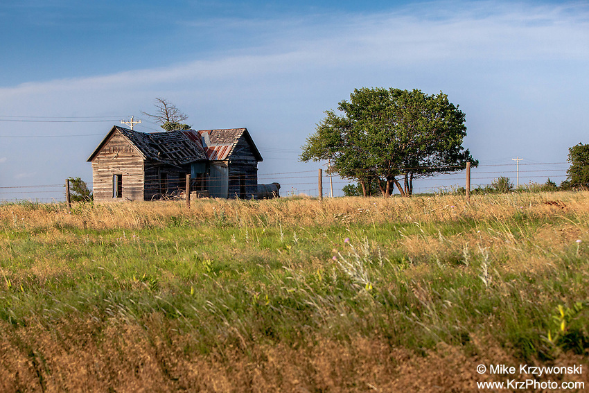 Abandoned farmhouse in Billings, OK