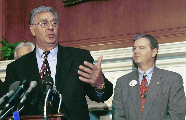 3-25-99.TAX LIMITATION AMENDMENT--Dick Armey, R-Texas, and Joe  L. Barton, R-Texas, during a press conference on the amendent on tax limitation..CONGRESSIONAL QUARTERLY PHOTO BY DOUGLAS GRAHAM