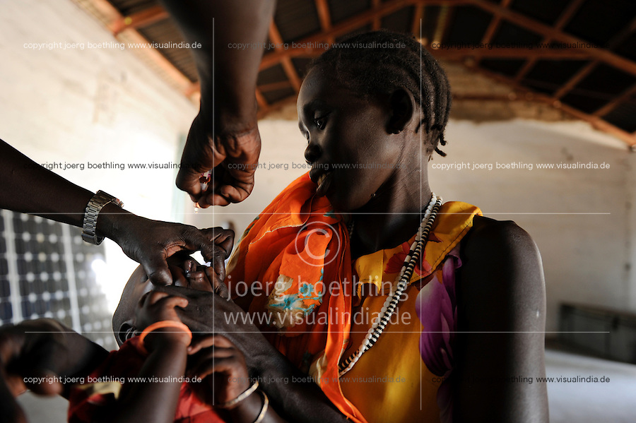 "Afrika Suedsudan Rumbek , Diakonie Gesundheitsstation Agangrial in Cuibet County , Polio Schluckimpfung fuer Kinder - Gesundheit | .Africa South Sudan Rumbek , health center, Polio vacination for children .| [ copyright (c) Joerg Boethling / agenda , Veroeffentlichung nur gegen Honorar und Belegexemplar an / publication only with royalties and copy to:  agenda PG   Rothestr. 66   Germany D-22765 Hamburg   ph. ++49 40 391 907 14   e-mail: boethling@agenda-fototext.de   www.agenda-fototext.de   Bank: Hamburger Sparkasse  BLZ 200 505 50  Kto. 1281 120 178   IBAN: DE96 2005 0550 1281 1201 78   BIC: ""HASPDEHH"" ,  WEITERE MOTIVE ZU DIESEM THEMA SIND VORHANDEN!! MORE PICTURES ON THIS SUBJECT AVAILABLE!! ] [#0,26,121#]"