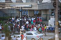 SAO PAULO, SP, 26 DE FEVEREIRO DE 2013 - TRANPOSRTE Superlotacao do Metro causa fila para passageiros entrar na estacao Tucuruvi, zona norte da cidade, nesta manha de terca-feira.FOTO RICARDO LOU - BRAZIL PHOTO PRESS
