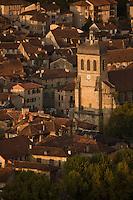 Europe/France/Midi-Pyrénées/46/Lot/Figeac: les toits de la vieille ville  et l'église St-Sauveur