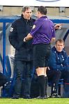 Nederland, Heerenveen, 22 december  2012.Eredivisie.Seizoen 2012/2013.Heerenveen-Vitesse 2-1.Marco van Basten in discussie met Scheidsrechter Pieter Vink in actie
