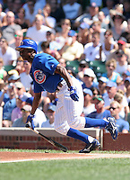 Chicago Cubs outfielder Juan Pierre during a game against the New York Mets at Wrigley Field on July 15, 2006 in Chicago, Illinois.  (Mike Janes/Four Seam Images)
