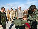 Iraq 2014  <br /> The 6th branch , Mahmur district, peshmergas looking at  a new weapon, the Milan, anti-guided missile <br /> Irak 2014 <br /> A la 6eme branche du front de Mahmur, peshmergas avec une nouvelle arme, le Milan, missile leger anti-char