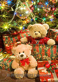 Marek, CHRISTMAS ANIMALS, WEIHNACHTEN TIERE, NAVIDAD ANIMALES, teddies, photos+++++,PLMP3304,#Xa# under Christmas tree,