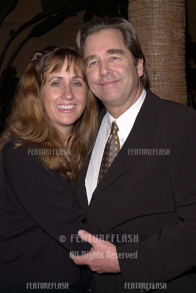 "13DEC99: Actor BEAU BRIDGES & wife WENDY  at the Los Angeles premiere of his brother Jeff Bridges' new movie ""Simpatico."".© Paul Smith / Featureflash"