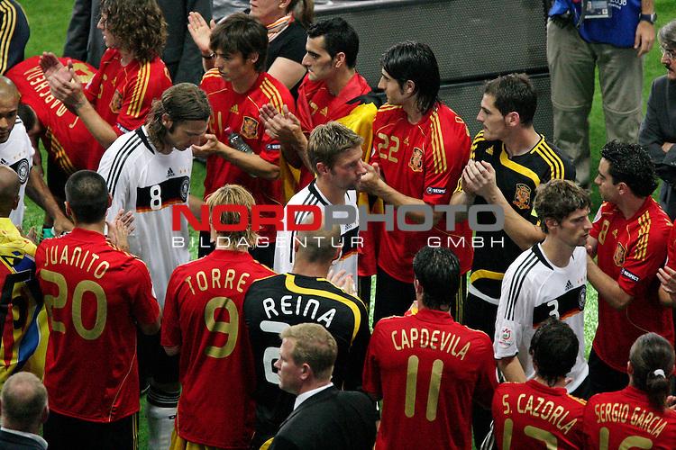 UEFA Euro 2008  Finale - Spanien Europameister 2008<br /> <br /> Vienna - Ernst Happel Match 32<br /> Deutschland ( GER ) - Spanien ( ESP ) 0:1<br /> <br /> Arne Friedrich ( Germany  / Verteidiger / Defender /Hertha #3) Thomas Hitzlsperger ( Germany / Mittelfeldspieler / Midfielder /  VFB Stuttgart #15) Torsten Frings ( Germany / Mittelfeldspieler / Midfielder /  Werder Bremen #08) David Okondor ( Germany / Angreifer / Forward / Betis Sevilla #19)<br /> <br /> Foto &copy; nph (  nordphoto  )<br /> <br /> <br /> <br />  *** Local Caption ***