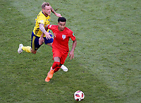 SAMARA - RUSIA, 07-07-2018: John GUIDETTI (Izq) jugador de Suecia disputa el balón con Jesse LINGARD (Der) jugador de Inglaterra durante partido de cuartos de final por la Copa Mundial de la FIFA Rusia 2018 jugado en el estadio Samara Arena en Samara, Rusia. / John GUIDETTI (L) player of Sweden fights the ball with Jesse LINGARD (R) player of England during match of quarter final for the FIFA World Cup Russia 2018 played at Samara Arena stadium in Samara, Russia. Photo: VizzorImage / Julian Medina / Cont