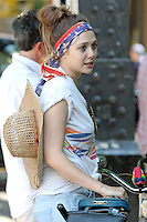 """Elizabeth Olsen on the set of """"Very Good Girls"""" in Brooklyn, New York, 12.07.2012...Credit: Rolf Mueller/face to face /MediaPunch Inc. ***FOR USA ONLY*** ***Online Only for USA Weekly Print Magazines*** /*NORTEPHOTO*<br /> **SOLO*VENTA*EN*MEXICO**<br /> **CREDITO*OBLIGATORIO** <br /> **No*Venta*A*Terceros**<br /> **No*Sale*So*third**<br /> *** No*Se*Permite Hacer Archivo**<br /> **No*Sale*So*third**"""