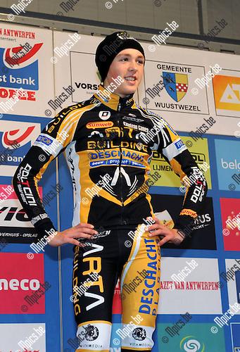 2013-12-27 / Veldrijden / seizoen 2013-2014 / Azencross Loenhout / Nieuwelingen / Tijl Pauwels werd derde<br /><br />Foto: Mpics.be