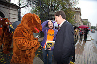 NO REPRO FEE. 24/10/2011. VOTE NO TO 30TH AMENDMENT. Eamon Ryan TD and protesters in Kangaroo outfits (keeping with the 'Kangaroo courts' theme of the campaign) are pictured outside Leinster House on Kildare Street Dublin handing out referendum leaflets. learn more at www.kangaroocourts.net. for more information please contact Walter Jayawardene.Irish Council for Civil Liberties.Tel. + 353 1 799 4503 Mob: +353 87 9981574 E-mail  walter.jayawardene@iccl.ie  Picture James Horan/Collins Photos