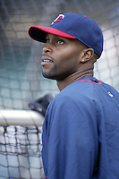 Torii Hunter of the Minnesota Twins before a 2002 MLB season game against the Los Angeles Angels at Angel Stadium, in Anaheim, California. (Larry Goren/Four Seam Images)