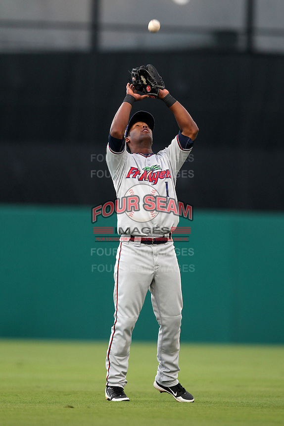 Fort Myers Miracle shortstop Daniel Santana #1 during a game against the Palm Beach Cardinals at Roger Dean Stadium on May 1, 2012 in Jupiter, Florida.  Palm Beach defeated Fort Myers 9-3.  (Mike Janes/Four Seam Images)