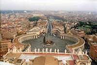 Roma, Città del Vaticano.Panoramica di Piazza Sana Pietro dalla Cupola della Basilica