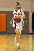 SAN ANTONIO, TX - JANUARY 5, 2006: The Southeastern Louisiana University Lions vs. The University of Texas at San Antonio Roadrunners Women's Basketball at the UTSA Convocation Center. (Photo by Jeff Huehn)
