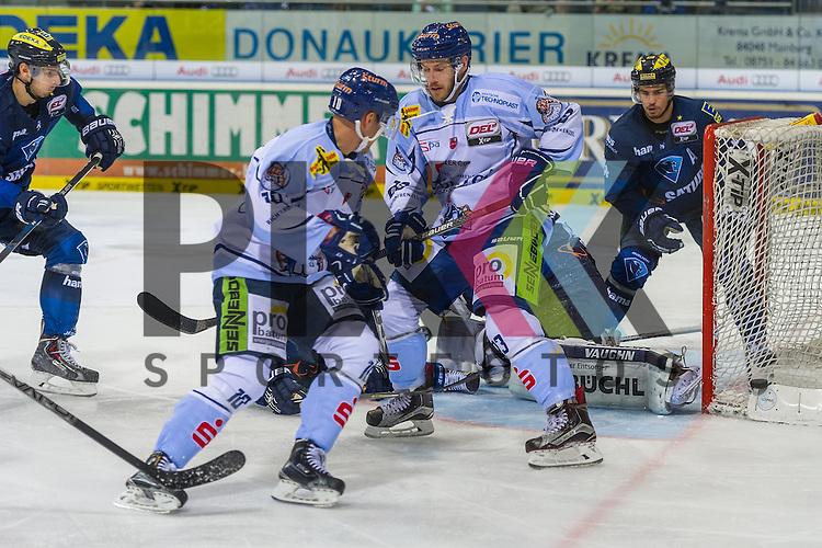Eishockey, DEL, ERC Ingolstadt - Straubing Tigers <br /> <br /> Im Bild Straubing verfehlt nur knapp das Tor<br /> <br /> Foto &copy; PIX-Sportfotos *** Foto ist honorarpflichtig! *** Auf Anfrage in hoeherer Qualitaet/Aufloesung. Belegexemplar erbeten. Veroeffentlichung ausschliesslich fuer journalistisch-publizistische Zwecke. For editorial use only.