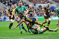 Kurtley Beale of Wasps dives for the try-line. European Rugby Champions Cup match, between Wasps and Connacht Rugby on December 11, 2016 at the Ricoh Arena in Coventry, England. Photo by: Patrick Khachfe / JMP
