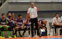MEDELLIN - COLOMBIA- 25-09-2016: Hesham Saleh (EGY) técnico de Egipto durante partido de cuartos de final con Argentina por la Copa Mundial de Futsal de la FIFA Colombia 2016 jugado en el Coliseo Ivan de Bedout en Medellín, Colombia. /  Hesham Saleh (EGY) coach of Egypt during match of the quarter finals against Argentina,  of the FIFA Futsal World Cup Colombia 2016 played at Ivan de Bedout coliseum in Medellin, Colombia. Photo: VizzorImage / Leon Monsalve /