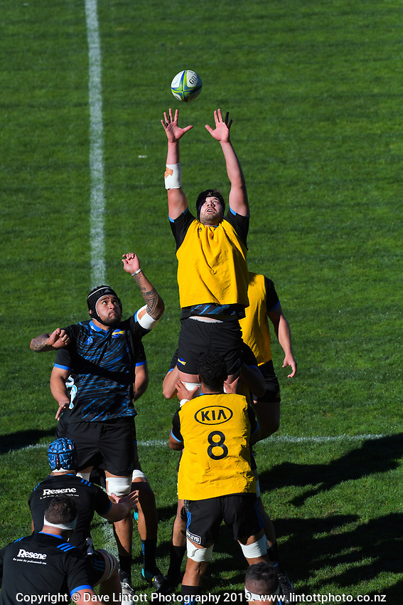Geoff Cridge goes up for lineout ball. Hurricanes Super Rugby training at Rugby League Park in Wellington, New Zealand on Thursday, 25 April 2019. Photo: Dave Lintott / lintottphoto.co.nz