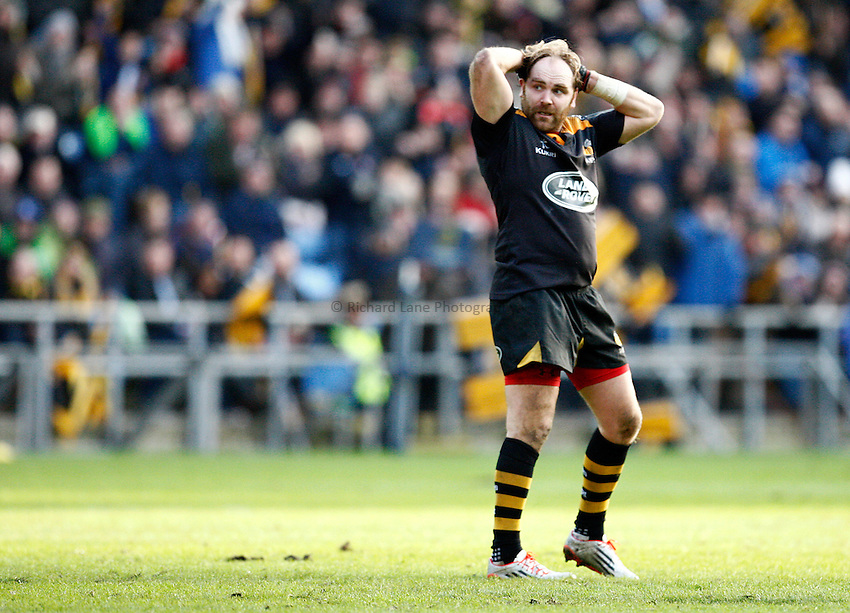 Photo: Richard Lane/Richard Lane Photography. Wasps v Leinster Rugby.  European Rugby Champions Cup. 24/01/2015. Wasps' Andy Goode shows his dejection on the final whistle.