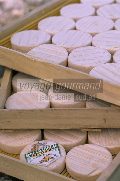 Europe/France/Midi-Pyrénées/46/Lot/Causse de Rocamadour/Env Rocamadour: Les fromages Cabecous AOC Rocamadour de la chèvrerie-fromagerie ferme de la Borie d'Imbert