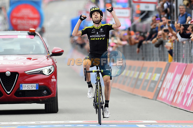 Mikel Nieve (ESP) Mitchelton-Scott wins solo Stage 20 of the 2018 Giro d'Italia, running 214km from Susa to Cervinia is the final mountain stage, with the last three climbs of Giro 101 deciding the GC of the Corsa Rosa, Italy. 26th May 2018.<br /> Picture: LaPresse/Gian Mattia D'Alberto | Cyclefile<br /> <br /> <br /> All photos usage must carry mandatory copyright credit (© Cyclefile | LaPresse/Gian Mattia D'Alberto)