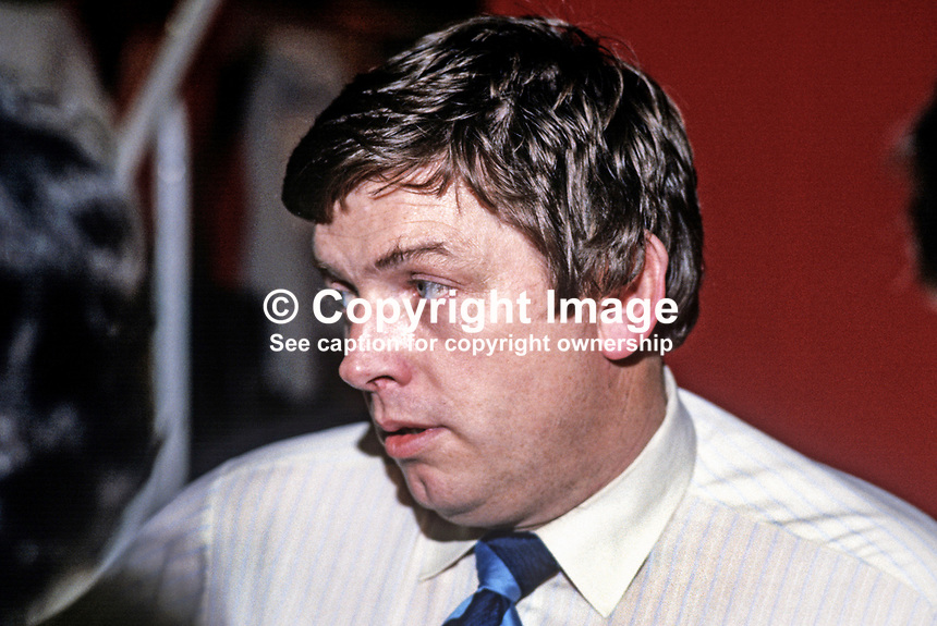 Vincent Hanna, born Belfast, N Ireland, journalist, broadcaster, BBC, at Conservative Party annual conference, Brighton, UK. 19840152VH2.<br />