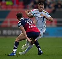 Exeter Chiefs' Phil Dollman evades the tackle of Bristol Bears' Piers O'Conor<br /> <br /> Photographer Bob Bradford/CameraSport<br /> <br /> Gallagher Premiership Round 7 - Bristol Bears v Exeter Chiefs - Sunday 18th November 2018 - Ashton Gate - Bristol<br /> <br /> World Copyright &copy; 2018 CameraSport. All rights reserved. 43 Linden Ave. Countesthorpe. Leicester. England. LE8 5PG - Tel: +44 (0) 116 277 4147 - admin@camerasport.com - www.camerasport.com