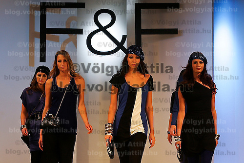 Models present F&F creations designed for the 2009 autumn and winter season.