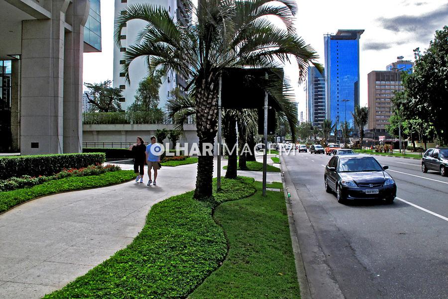 Avenida Faria Lima no Itaim. São Paulo. 2009. Foto de Juca Martins.