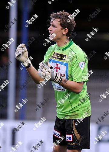 2010-11-14 / Voetbal / seizoen 2010-2011 / Rupel-Boom - KV Turnhout / Nathan Goris..Foto: Mpics