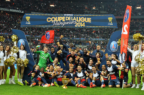 19.04.2014. Stade de France, St Denis, PSG versus Lyon.  PSG with the trophy after their 2-1 win