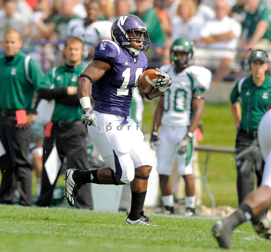 ARBY FIELDS, of the  University of Northwestern Wildcats, in action during the Wildcats game against the Eastern Michigan Eagles in Evanston, IL, on September 12, 2009.  Northwestern win 27-24.