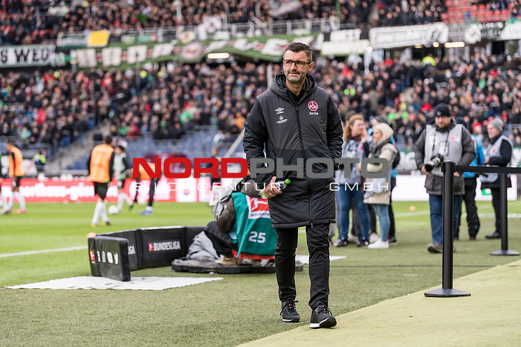 09.02.2019, HDI Arena, Hannover, GER, 1.FBL, Hannover 96 vs 1. FC Nuernberg<br /> <br /> DFL REGULATIONS PROHIBIT ANY USE OF PHOTOGRAPHS AS IMAGE SEQUENCES AND/OR QUASI-VIDEO.<br /> <br /> im Bild / picture shows<br /> Michael Köllner / Koellner (Trainer 1. FC Nuernberg) mit Wasserflasche vor dem Spiel, <br /> <br /> Foto © nordphoto / Ewert
