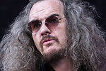 © Joel Goodman - 07973 332324. 05/08/2017 . Macclesfield , UK . REVD DR CLIVE JACKSON of Dr and the Medics on the stage . Crowds enjoy summer sunshine at the Rewind Festival , celebrating 1980s music and culture , at Capesthorne Hall in Siddington . Photo credit : Joel Goodman