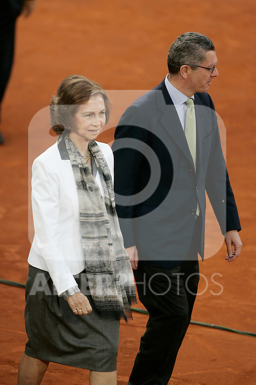 Queen of Spain Sofia de Grecia and the Madrid City's Mayor Alberto Ruiz-Gallardon during Tennis Madrid Open ATP Singles Final, May 16,2010..(ALTERPHOTOS/Alvaro Hernandez)