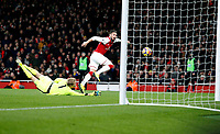 Olivier Giroud of Arsenal misses the open goal during the Premier League match between Arsenal and Huddersfield Town at the Emirates Stadium, London, England on 29 November 2017. Photo by Carlton Myrie / PRiME Media Images.