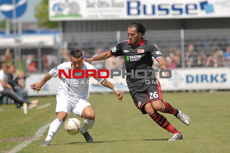 3. FBL 2008/2009 29. Spieltag RŁckrunde BSV Kickers Emden vs. Union Berlin ,Rashid El-Hammouchi (Emden #7, weiŖ) gegen Kenan Sahin (Berlin #26 schwarz)  , Foto © nph (nordphoto)