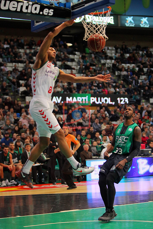 League ACB-Endesa 2015-2016. Game: 16.<br /> FIATC Joventut vs Laboral Kutxa Baskonia: 68-89.<br /> Adam Hanga vs Paul.