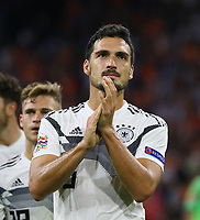 Mats Hummels (Deutschland Germany) nach der Niederlage - 13.10.2018: Niederlande vs. Deutschland, 3. Spieltag UEFA Nations League, Johann Cruijff Arena Amsterdam, DISCLAIMER: DFB regulations prohibit any use of photographs as image sequences and/or quasi-video.