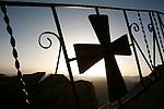 Le Mont Moïse (Jebel Musa, 2285m) est selon la tradition le lieu où Moïse reçu les tables de la loi (Exod. 19). Il est également retenu dans la tradition musulmane comme lieu d'où le cheval de Mahomet, Boraq, est monté au ciel. Au sommet se trouve la chapelle de la Sainte Trinité